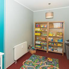 """Behandlungszimmer mit Spielecke der logopädischen Gemeinschaftspraxis """"Das cottbusser Sprechzimmer"""" - Zimmer 1 - Bild 3"""
